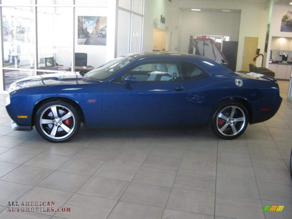 Pearl / Pearl White/Blue Dodge Challenger SRT8 392 Inaugural Edition