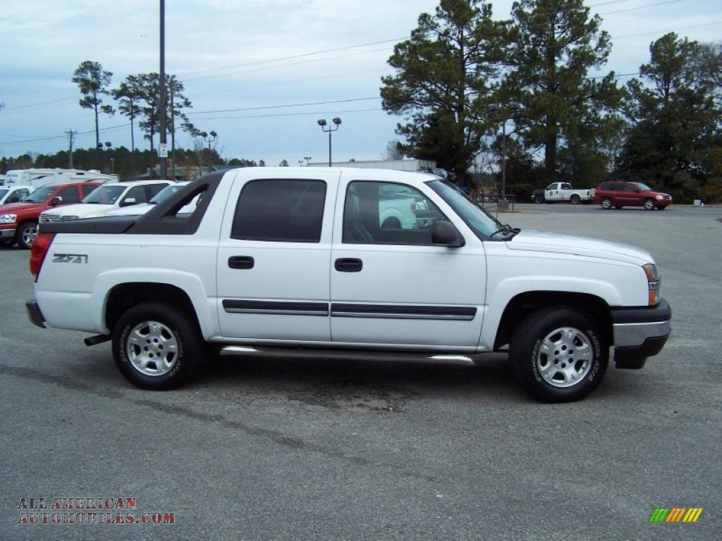 2006 chevrolet avalanche z71 4x4 in summit white photo 4 106462 all american automobiles. Black Bedroom Furniture Sets. Home Design Ideas