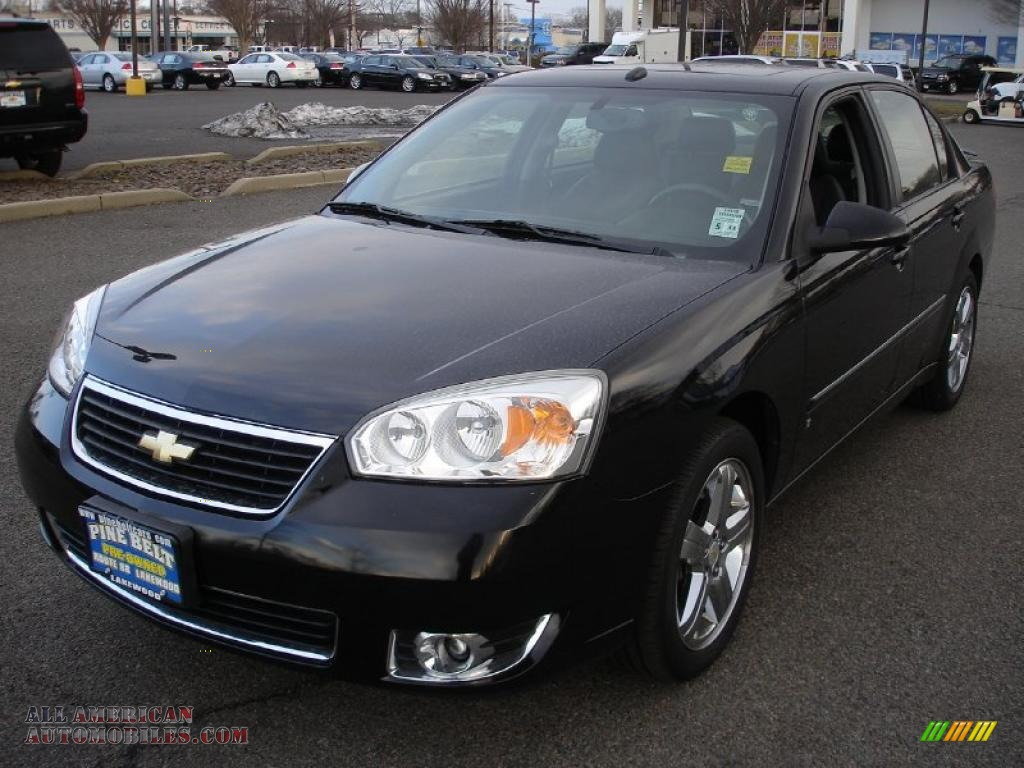 2007 Chevrolet Malibu LTZ Sedan in Black photo #8 - 250439 | All ...