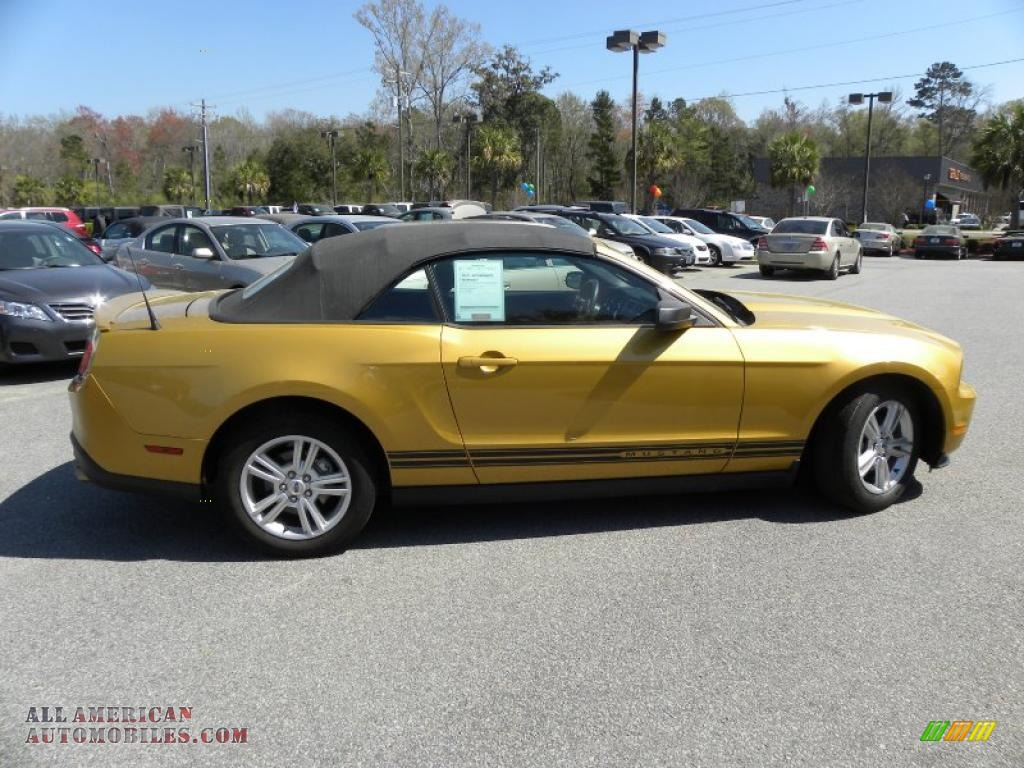 2010 ford mustang v6 convertible in sunset gold metallic photo 7. Black Bedroom Furniture Sets. Home Design Ideas