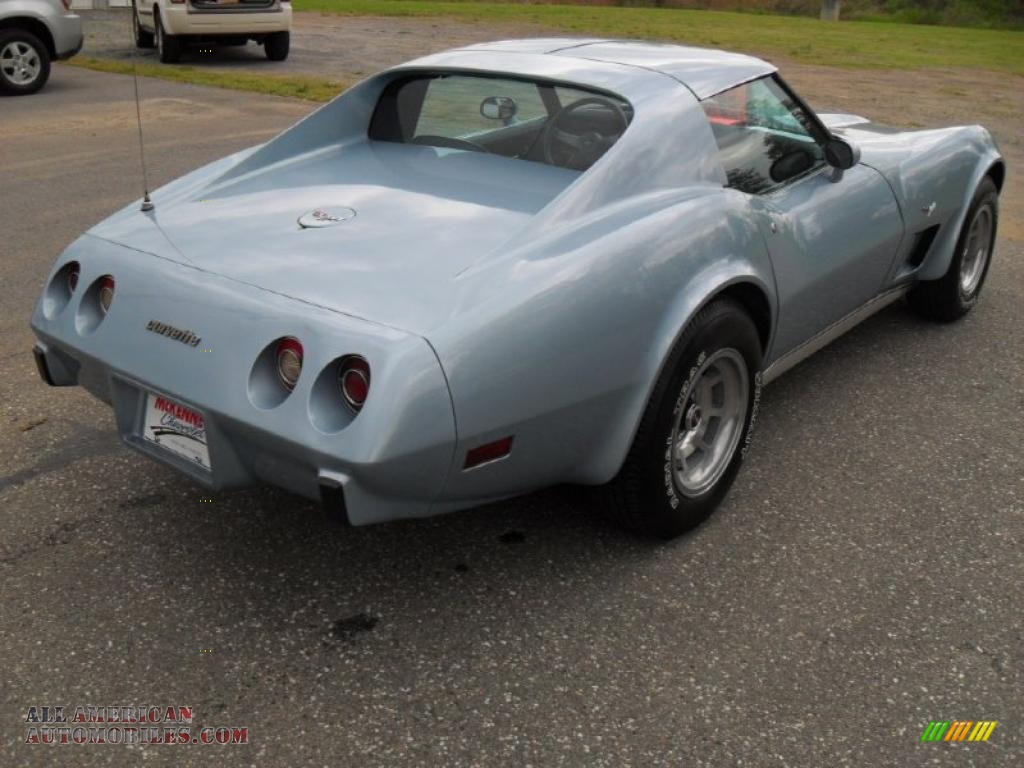 1977 Corvette Coupe - Light