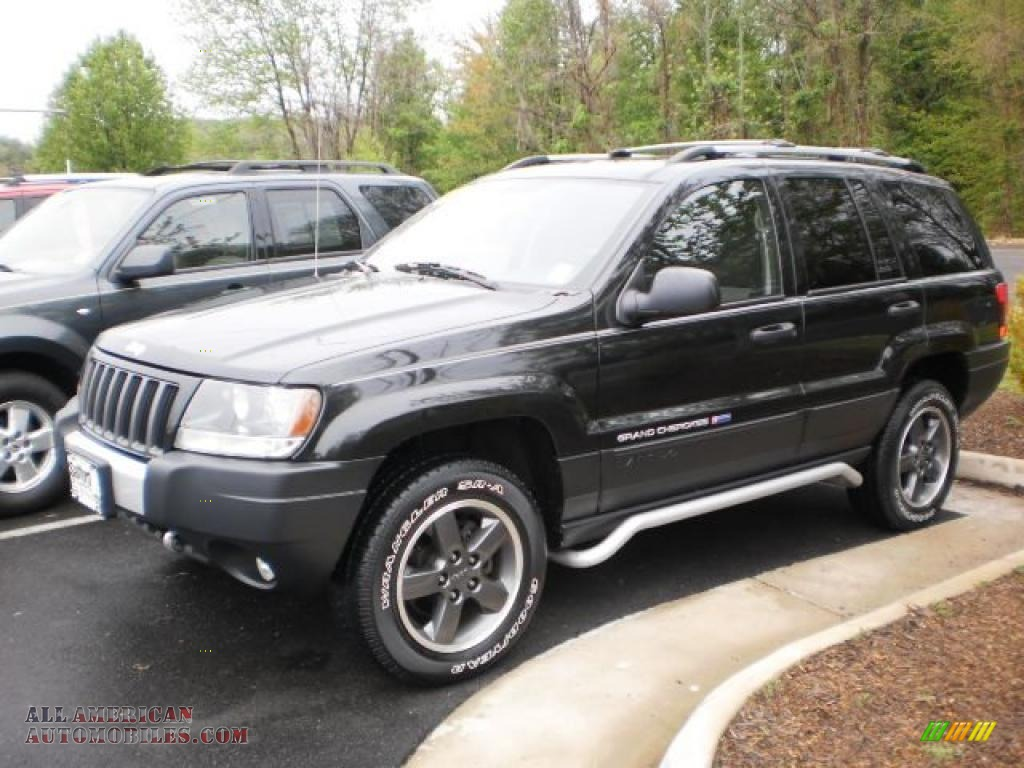 2004 jeep grand cherokee freedom edition 4x4 in brillant black crystal pearl photo 25 161210. Black Bedroom Furniture Sets. Home Design Ideas