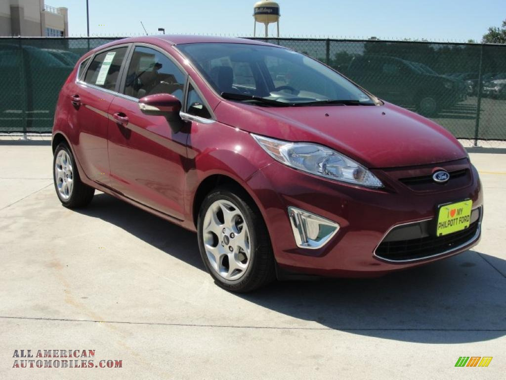 2011 ford fiesta ses hatchback in bright magenta metallic photo 2 207254 all american. Black Bedroom Furniture Sets. Home Design Ideas
