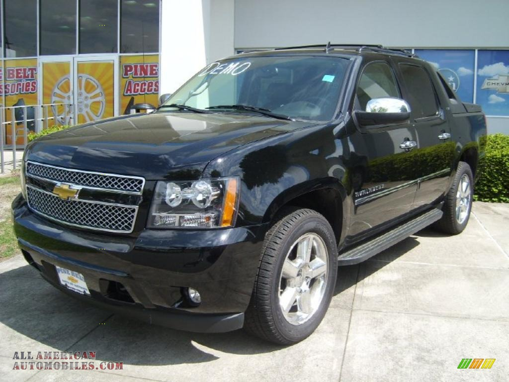 2011 chevrolet avalanche ltz 4x4 in black 182571 all american automobiles buy american. Black Bedroom Furniture Sets. Home Design Ideas