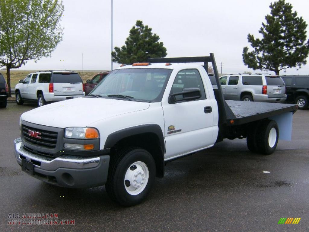 2004 GMC Sierra 3500 Regular Cab 4x4 Dually in Summit White - 121917