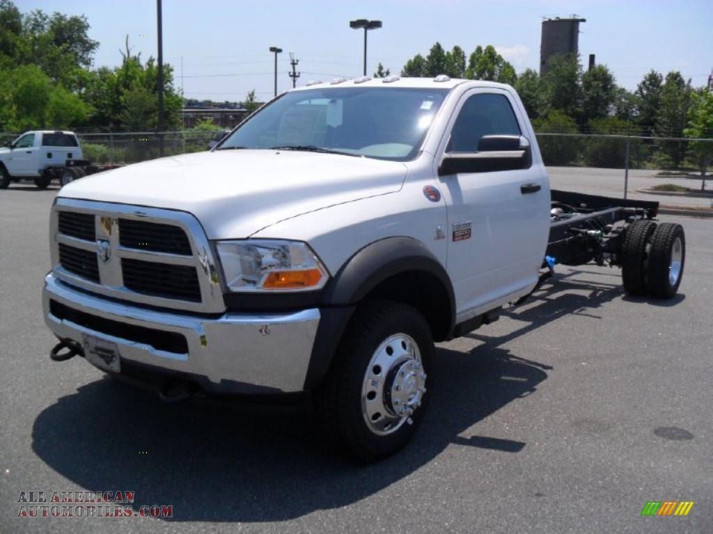 2011 dodge ram 5500 hd st regular cab 4x4 chassis in bright white 584826 all american. Black Bedroom Furniture Sets. Home Design Ideas