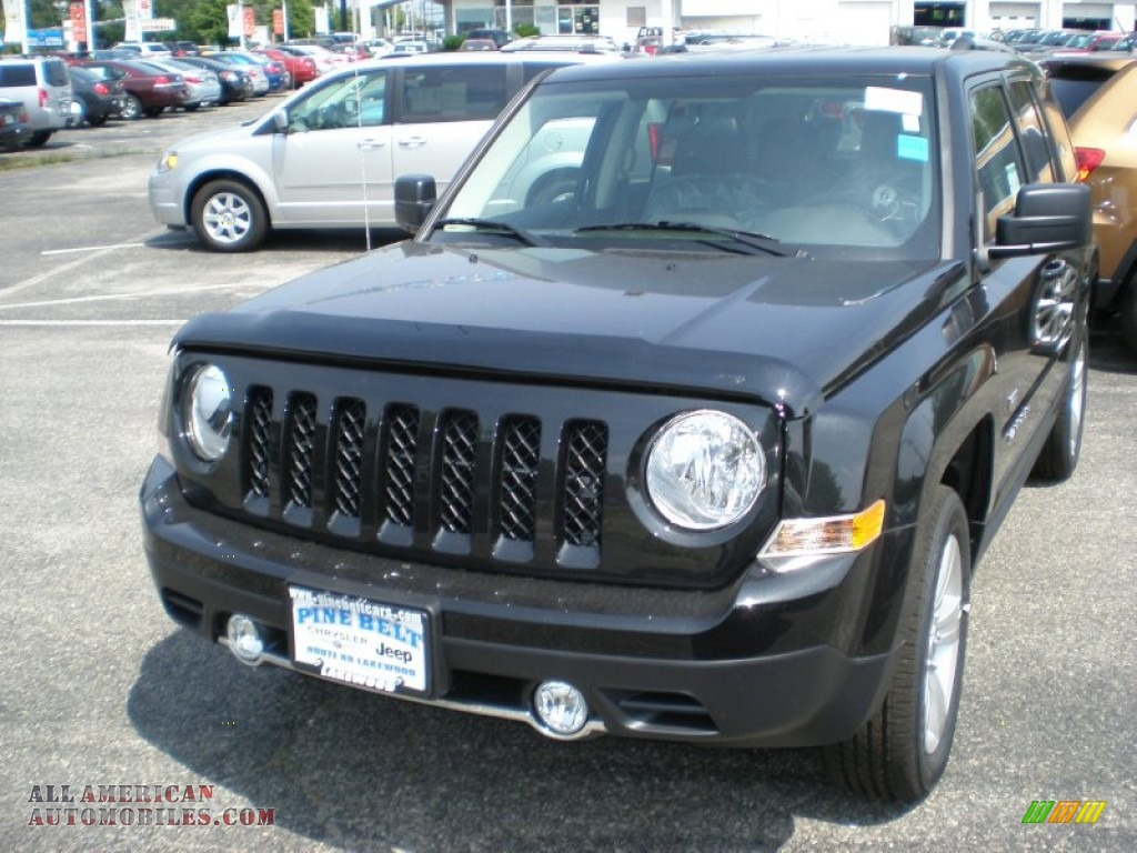 2011 jeep patriot latitude x 4x4 in brilliant black. Black Bedroom Furniture Sets. Home Design Ideas