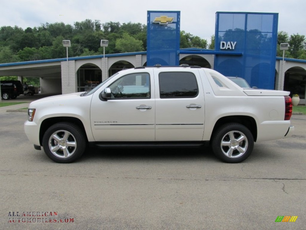 2011 chevrolet avalanche ltz 4x4 in white diamond tricoat photo 2 335554 all american. Black Bedroom Furniture Sets. Home Design Ideas