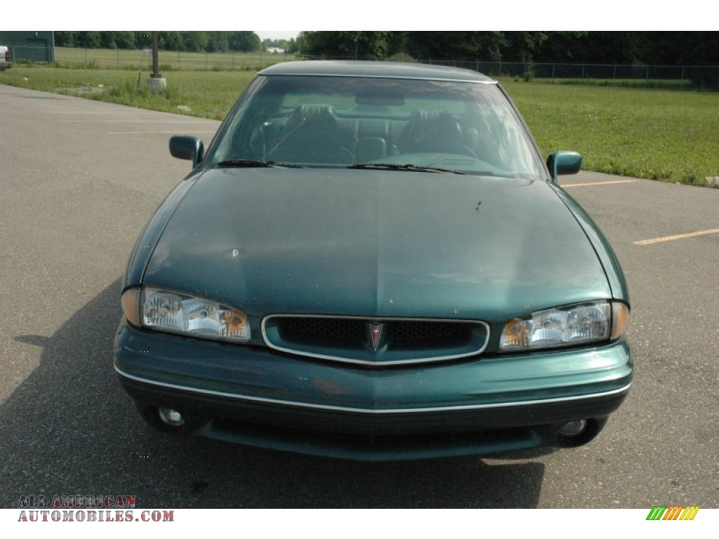 1996 pontiac bonneville se in dark green metallic photo 2. Black Bedroom Furniture Sets. Home Design Ideas