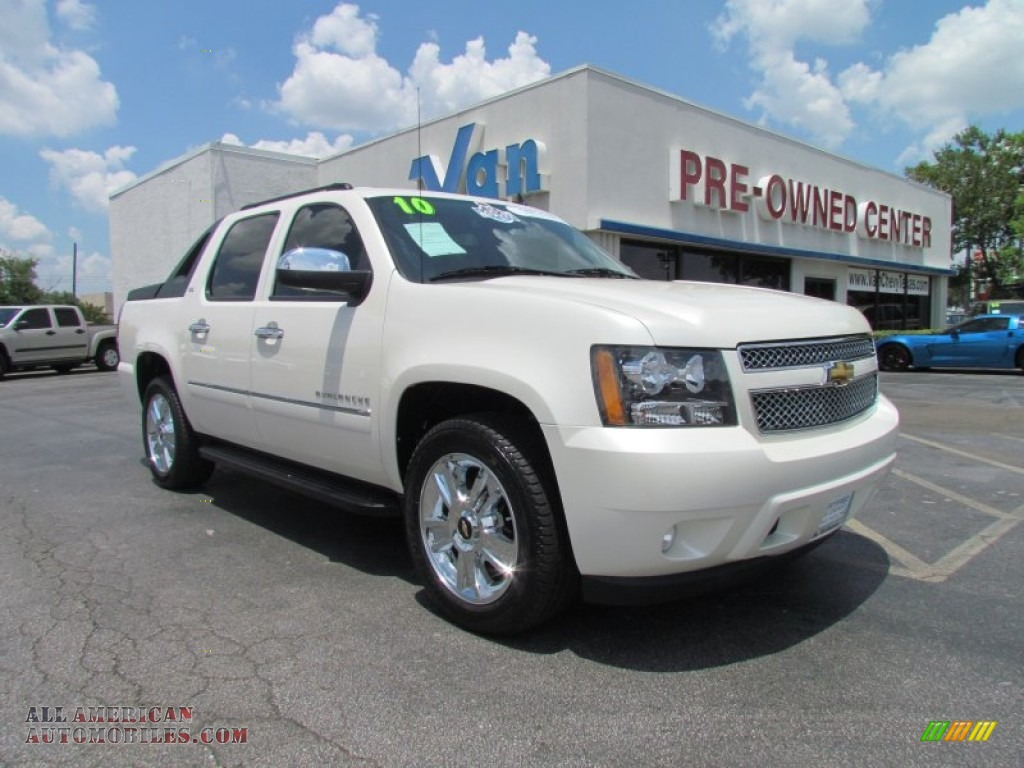 2010 chevrolet avalanche ltz 4x4 in white diamond tricoat 228935 all american automobiles. Black Bedroom Furniture Sets. Home Design Ideas