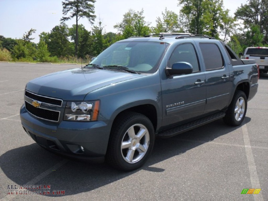 2012 chevy avalanche gcwr