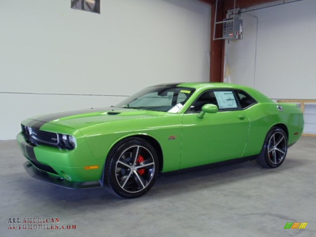 2011 dodge challenger srt8 392 in green with envy 601242 all american automobiles buy. Black Bedroom Furniture Sets. Home Design Ideas