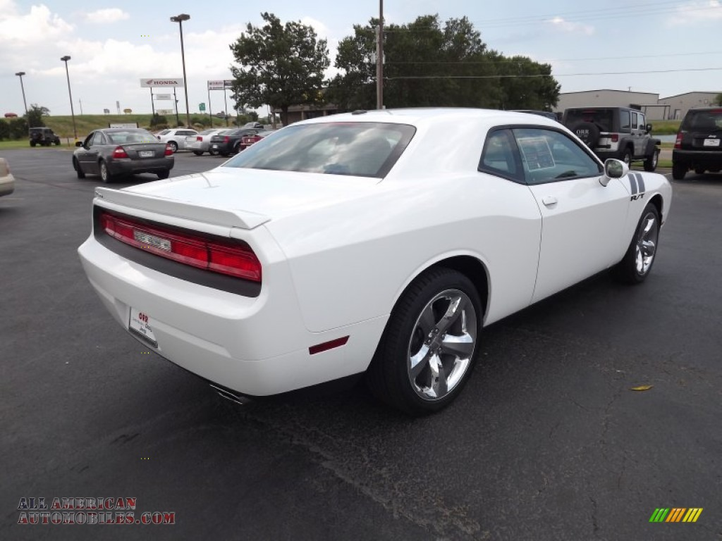 2011 dodge challenger r t in bright white photo 5. Black Bedroom Furniture Sets. Home Design Ideas