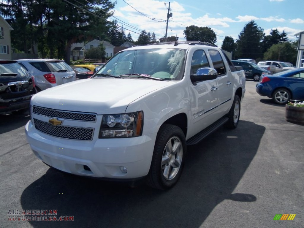 2011 chevrolet avalanche ltz 4x4 in summit white 364717 all american automobiles buy. Black Bedroom Furniture Sets. Home Design Ideas