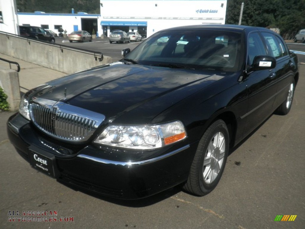 2011 lincoln town car signature l in black photo 2 762951 all american automobiles buy. Black Bedroom Furniture Sets. Home Design Ideas