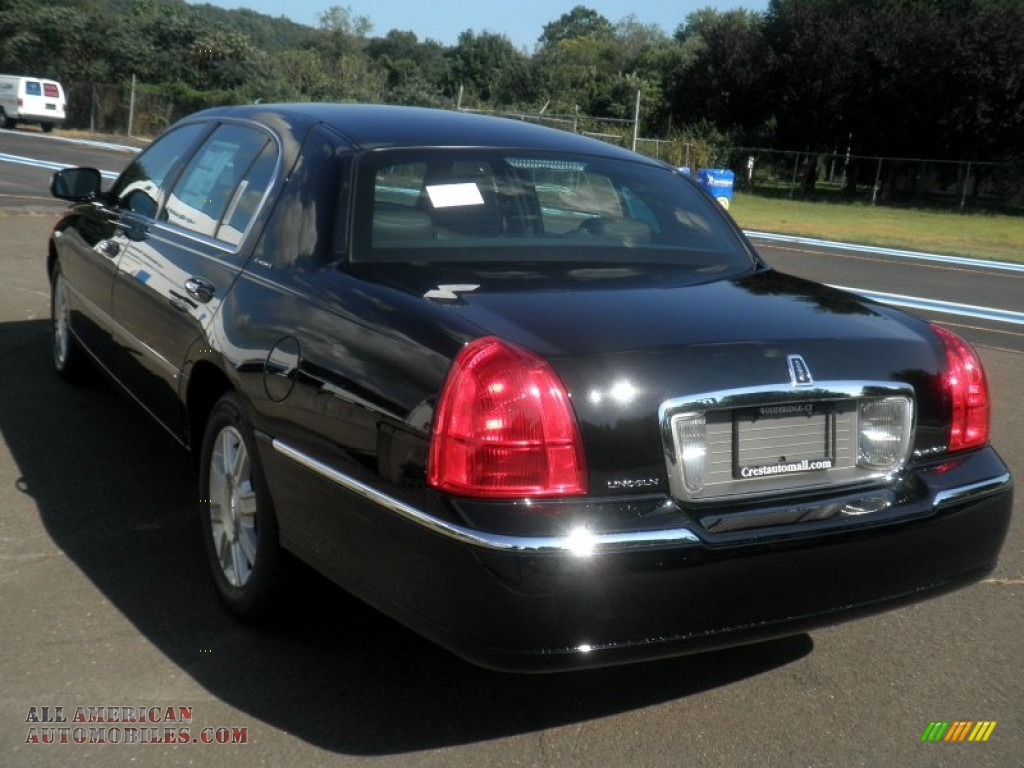 2011 lincoln town car signature l in black photo 7 762951 all american automobiles buy. Black Bedroom Furniture Sets. Home Design Ideas