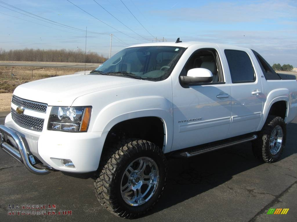 2010 chevrolet avalanche z71 4x4 in summit white 131443 all american automobiles buy. Black Bedroom Furniture Sets. Home Design Ideas