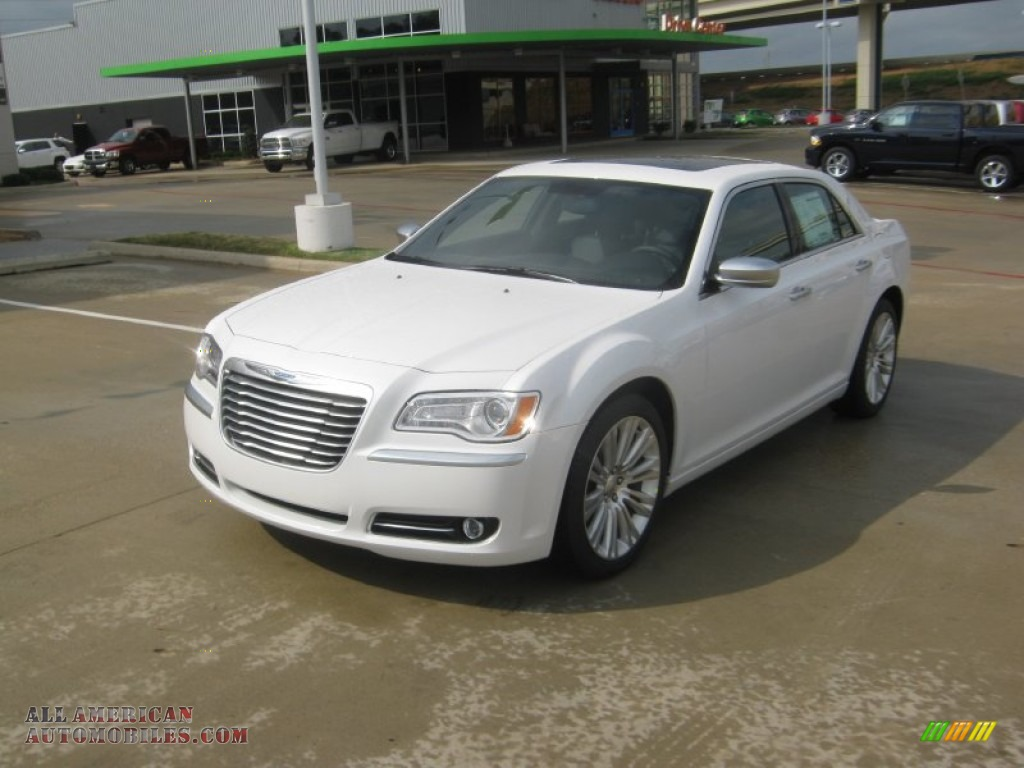 2012 Chrysler 300 Limited in Ivory Tri-Coat Pearl - 229016 ...