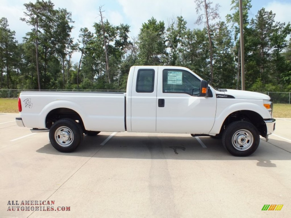 2012 Ford F250 Super Duty XL SuperCab 4x4 in Oxford White photo #2 ...