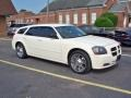 Dodge Magnum SE Cool Vanilla White photo #1