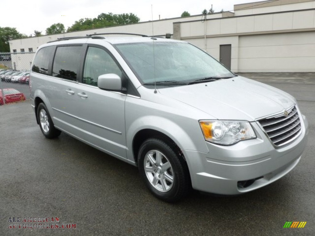 2009 chrysler town country touring in bright silver. Black Bedroom Furniture Sets. Home Design Ideas