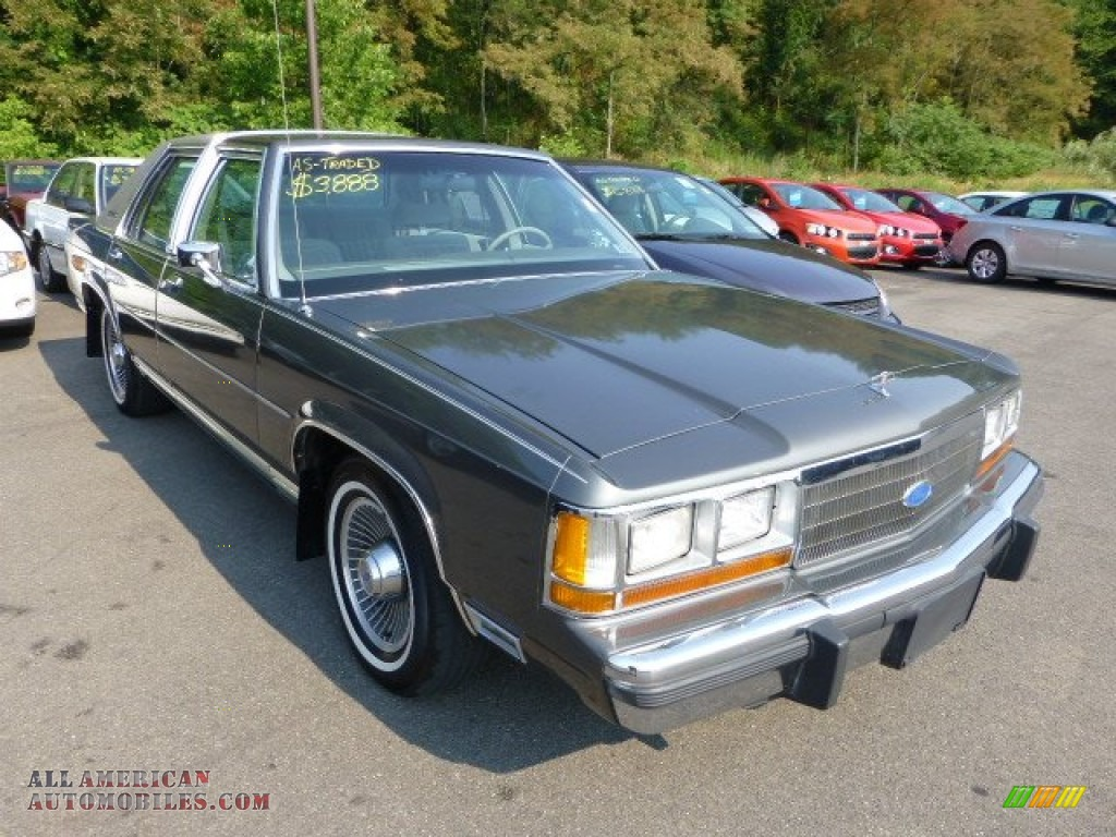 1990 Ford Ltd Crown Victoria In Dark Titanium Metallic