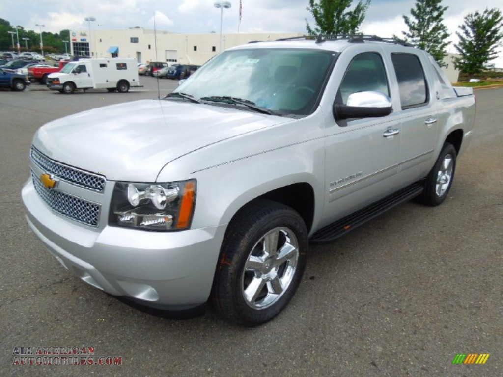 2013 chevrolet avalanche ltz 4x4 black diamond edition in silver ice metallic 101610 all. Black Bedroom Furniture Sets. Home Design Ideas