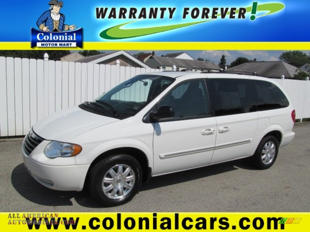 2006 chrysler town country touring in stone white for Colonial motors indiana pa