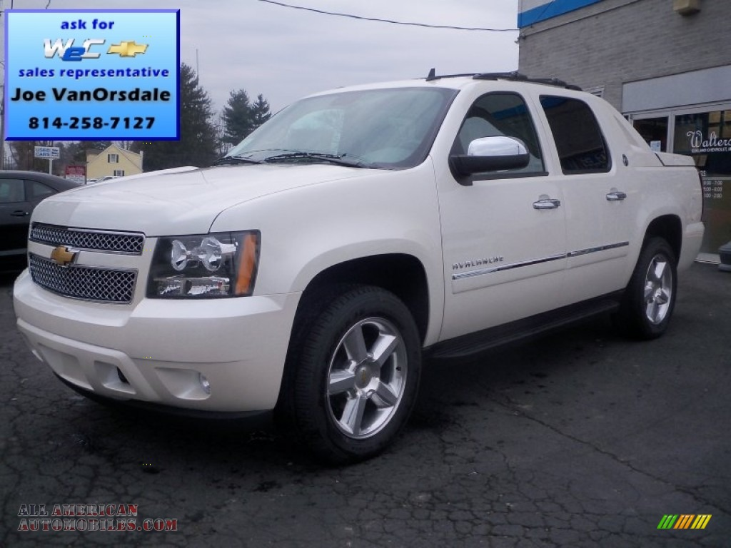 2013 chevrolet avalanche ltz 4x4 black diamond edition in white diamond tricoat 234662 all. Black Bedroom Furniture Sets. Home Design Ideas