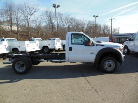 Oxford White 2013 Ford F550 Super Duty XL Regular Cab 4x4 Chassis