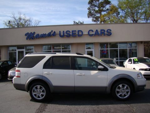White Sand Tri-Coat Metallic 2009 Ford Taurus X SEL