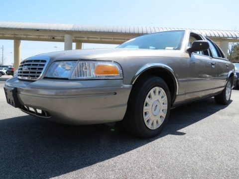 Arizona Beige Metallic 2005 Ford Crown Victoria