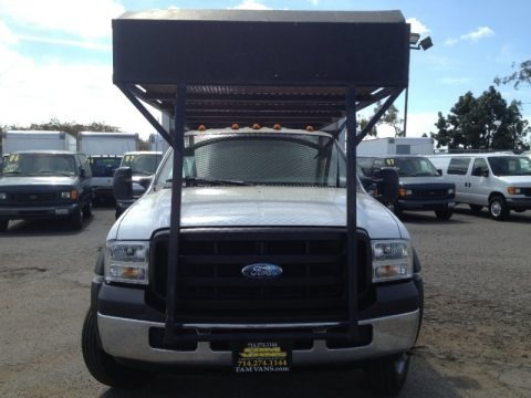 Oxford White 2007 Ford F550 Super Duty XL Crew Cab Dump Truck