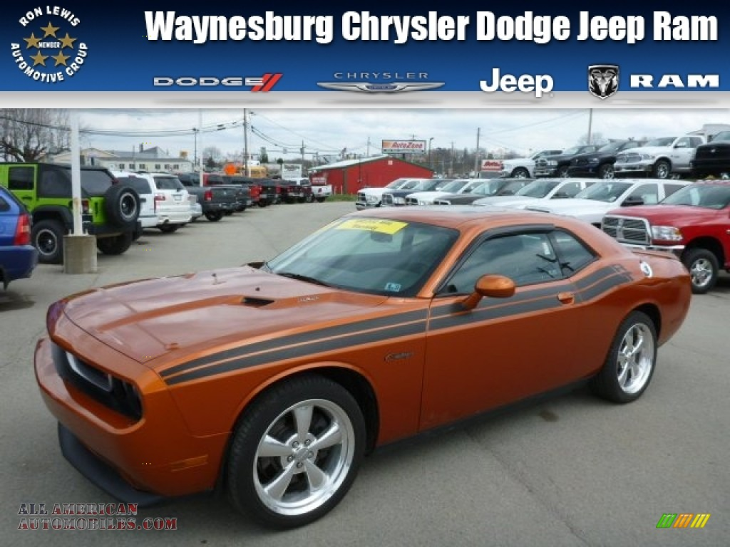 2011 dodge challenger r t classic in toxic orange pearl. Black Bedroom Furniture Sets. Home Design Ideas