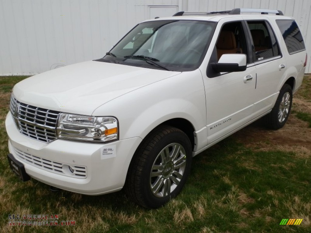 2013 lincoln navigator l monochrome limited edition 4x4 in white platinum metallic tri coat. Black Bedroom Furniture Sets. Home Design Ideas
