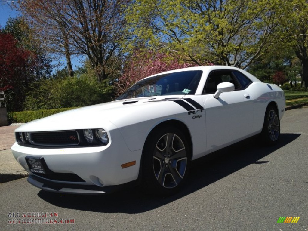 2013 dodge challenger r t plus in bright white 536826 all american automobiles buy. Black Bedroom Furniture Sets. Home Design Ideas