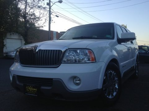 Oxford White 2003 Lincoln Navigator Luxury 4x4