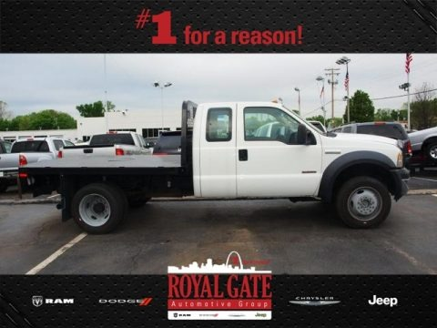 Oxford White 2006 Ford F550 Super Duty XL SuperCab 4x4 Stake Truck