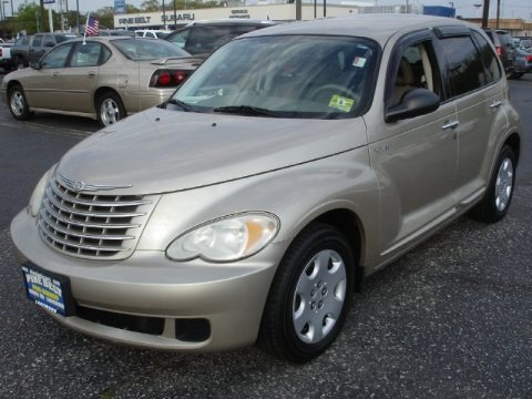 Linen Gold Metallic Pearl 2006 Chrysler PT Cruiser Touring