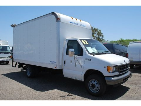 Oxford White 2002 Ford E Series Cutaway E350 Commercial Moving Truck