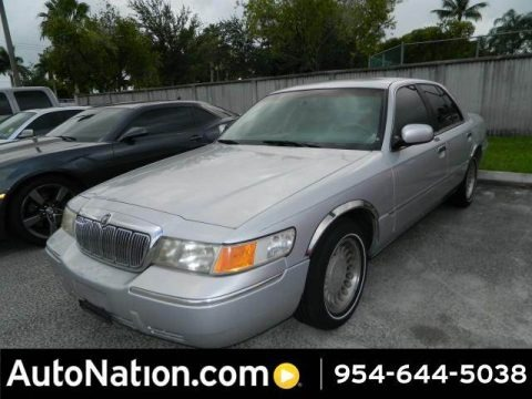 Silver Frost Metallic 2000 Mercury Grand Marquis LS