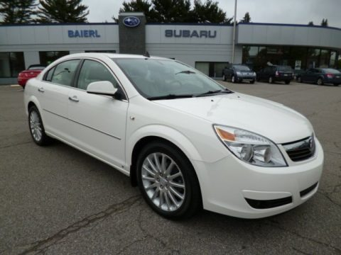 Cream White 2008 Saturn Aura XR