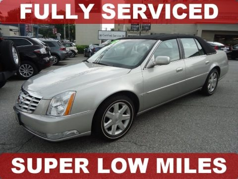 Light Platinum 2007 Cadillac DTS Luxury
