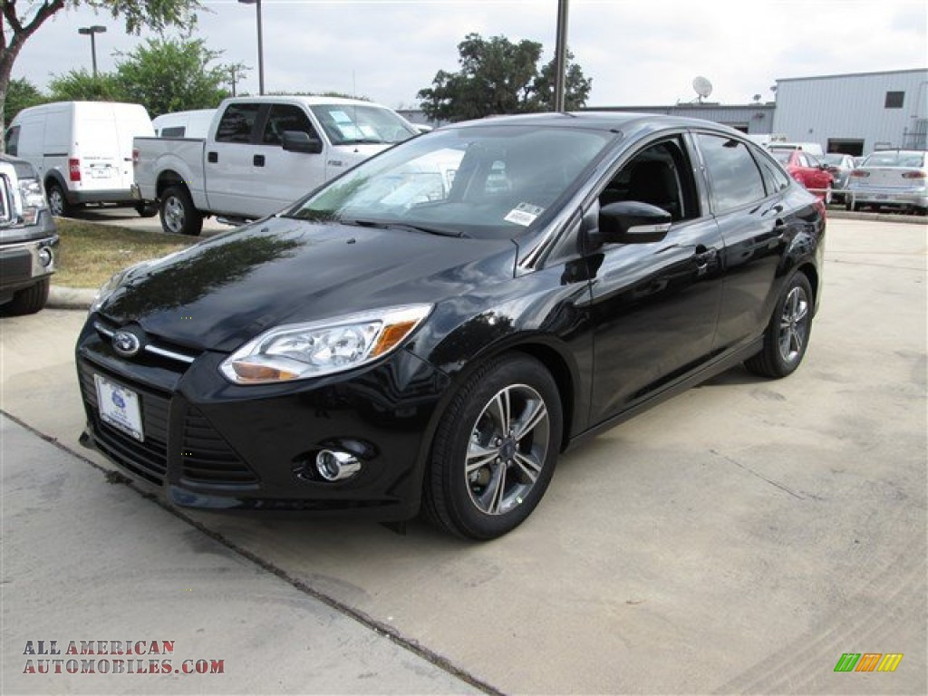 2014 ford focus se sedan in tuxedo black photo 3 108959 all american automobiles buy. Black Bedroom Furniture Sets. Home Design Ideas