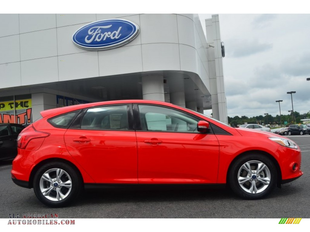 2014 ford focus se hatchback in race red photo 2 103507 all american automobiles buy. Black Bedroom Furniture Sets. Home Design Ideas