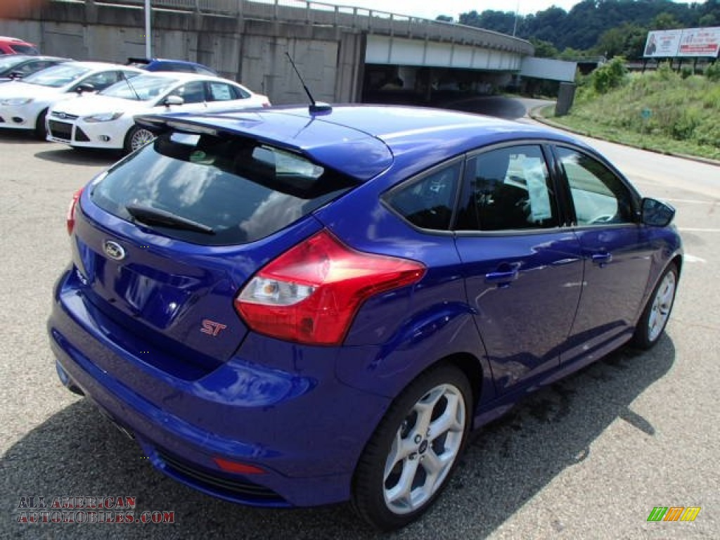 2014 ford focus st hatchback in performance blue photo 8 142813 all american automobiles. Black Bedroom Furniture Sets. Home Design Ideas