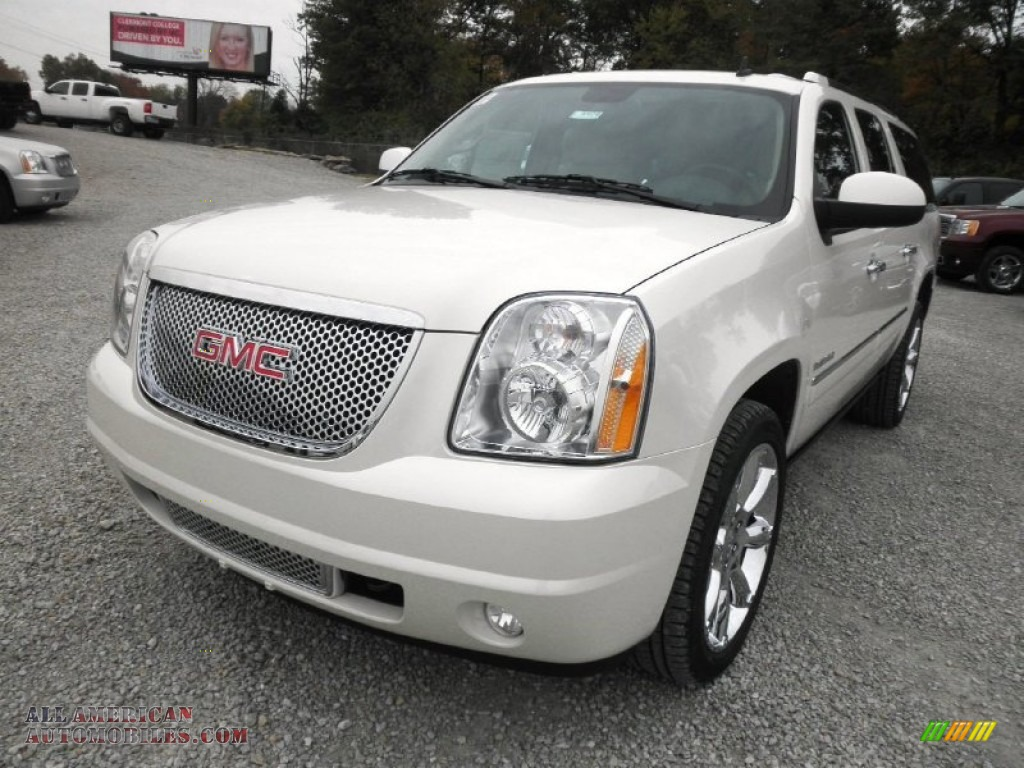 2014 gmc yukon xl denali awd in white diamond tricoat. Black Bedroom Furniture Sets. Home Design Ideas