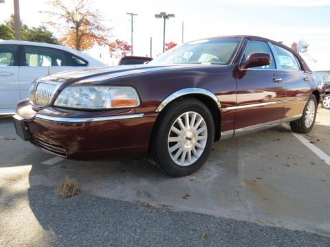 Autumn Red Metallic 2003 Lincoln Town Car Executive