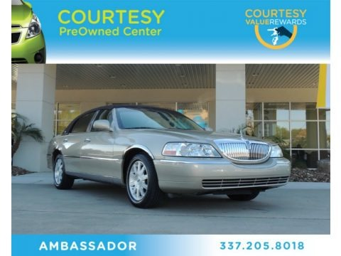Cashmere Tri-Coat 2007 Lincoln Town Car Signature Limited