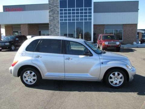 Bright Silver Metallic 2004 Chrysler PT Cruiser Touring